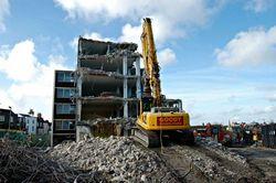 empresas de demolição e terraplanagem
